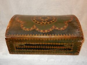 Antique Large Japanese Lacquered Box with 6-point Kagome Crest