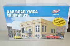 HO building structure KIT Walthers Railroad YMCA Bunkhouse Bank Municipal