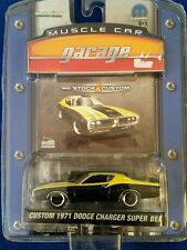 Greenlight Muscle Car Garage Custom 1971 Dodge Charger super Bee Low S# 0004