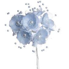 Bouquet de fleurs en tissus bleu ciel et perles