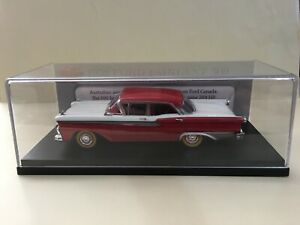 1/43 TRAX TRR01A Ford Fairlane 500 RED/WHITE