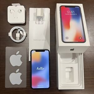 Apple iPhone X 256GB Space Gray (Unlocked) A1865 COMPLETE in BOX Great Condition