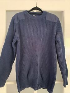 R.M. Williams Jumper L