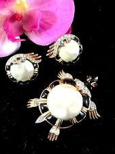 RARE 1960'S CROWN TRIFARI MING BAROQUE PEARL CABOCHON TURTLE BROOCH EARRINGS SET