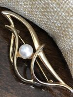 Vintage Pin Brooch Gold Open work imitation pearl gold tone pretty