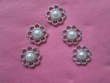 5 CREAM PEARL with SILVER SCALLOP EDGE FLAT BACK BUTTONS