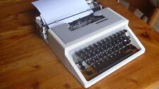 Vintage Retro UNDERWOOD 310  Manual Portable Typewriter QWERTY font - look