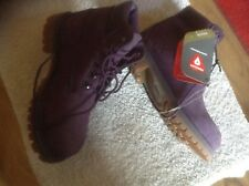 TIMBERLAND BOOTS  NEW Childs 2M