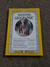 National Geographic Magazine June, 1961 London, Thailand, Fbi, Rose Aphids