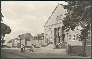 Postkarte Güstrow Institut für Lehrerweiterbildung ohne FDJ Schild,s/w,1960 I-II