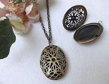 Ovale Modeschmuck-Halsketten & -Anhänger im Medaillon-Stil für Damen
