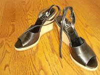 Womens CALVIN KLEIN Wedge Brown Heels Leather Shoes OpenToe Size 7.5 M SPAIN