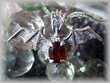 Anhänger Fledermaus Granat Cabochon Bat 925er Silber Gothic Mittelalter