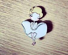 MARILYN MONROE PIN UP Style Cartoon Kitsch Kawaii Pin Badge Broche