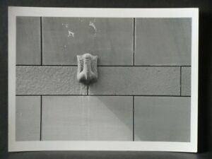 Orig. Fotografie K-H Daniel Frankfurt M. 90s Illegale Installation Penis am MMK