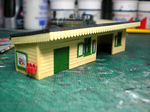 N Gauge Southern Railway Platform Shelter, fully painted RTP