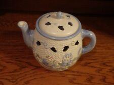 Snow Folks Teapot Simmer Pot with Cinnamon Vanilla Wax Potpourri Very Good Cond.