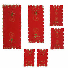Set Centri 6 Pezzi Natale in Raso Rosso con Ricamo Centrotavola