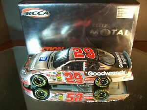 Kevin Harvick #29 GM Goodwrench Elite Metal Series 2004 Chevrolet Monte Carlo