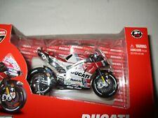 Miniature Moto GP Ducati Desmosedici Andrea Dovizioso 1/18 Maisto