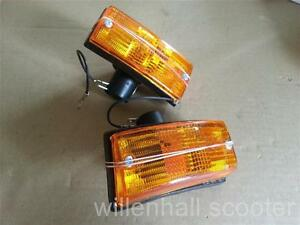 VESPA FRONT  INDICATORS COMPLETE SET OF 2 LEFT  RIGHT AMBER NEW QUALITY ITEM .