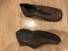 New Brown Comfortable Zip Up wedge Shoes Size 4 1/2