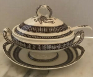 TWO'S COMPANY Brown/Ivory FOOTED GRAVY BOAT With Lid, Laddle & Under-plate NIB
