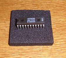 SDA 2120 ( 120 MHz PLL für AM / FM - Receiver , Siemens )