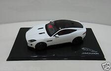 "Original Jaguar Modellauto F Type Coupe ""R"" 1:43 Polaris Weiss 50JDCAFTCR F-Type"