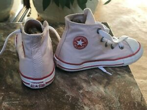 Chuck Taylor Converse All Stars Canvas Hightop Shoes Size 9 EUC Pink