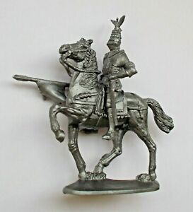 """1/30 Mounted Knight Medieval Warrior Soft Plastic Toy Soldier KIT 100 mm / 4"""""""