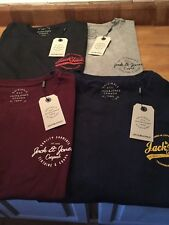 Jack & Jones Rafsman T shirt with chest logo in regular fit. (now including XS)