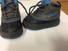 Nike Brand Authentic Toddler Boys Gray And Blue Size 4 Snow Boots!