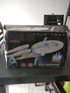 USS Enterprise Star Trek BRAND New Playmates Starship 1701 SHIP