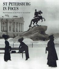 Diverse.: St. Petersburg in focus. Photographs of the turn of the century. In ce