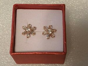 Beautiful New Rose Gold Filled Clear Star Flower CZ Stud Earrings
