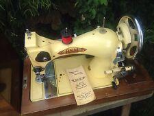STUNNING VINTAGE BSM BRITISH SEWING MACHINE HAND CRANK SEWING MACHINE &  CASE