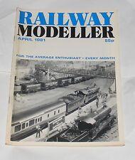 RAILWAY MODELLER VOLUME 32 NUMBER 366 APRIL 1981- KINGSWEAR, SOUTH DEVON