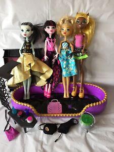 Monster High - Used Doll Bundle - Frankie, Draculaura, Dayna, Clawdia