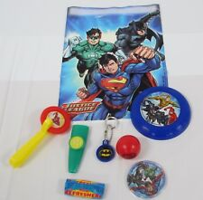 PRE-FILLED JUSTICE LEAGUE PARTY BAG WITH 6 TOYS AND 1 SWEET