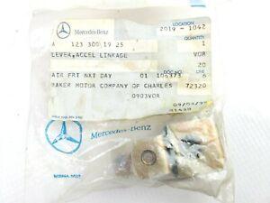 NOS Genuine Mercedes Accelerator Linkage Lever Damper W123 200D 220D 240D 300D