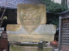 großer alter Wappenstein von 1824, gelber Sandstein, Wappen      -089