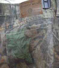 Mens Wrangler Rugged Wear Realtree Camo hunting pants jeans size 46x27 Pre-owned