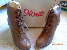 Vintage 9 West Leather Womens Boots Size 10M Beige