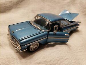 Road Champs - 1959 Chevrolet Impala - Blue - 1:43 - Model Car doors & trunk open