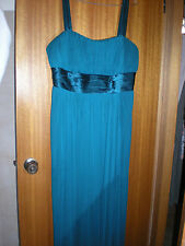 MR K long Green stretch formal dress size 22 ( fit size 20 ) elegant chiffon