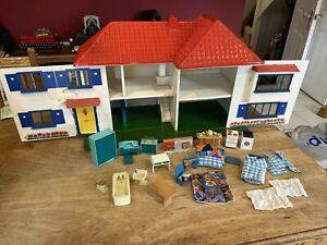 Rare Vintage Antique 1960s Tri-ang Triang Dolls House With Lights And Furniture