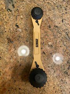 DEWALT - DWHT72610 - Adjustable Ratcheting Socket Wrench USED