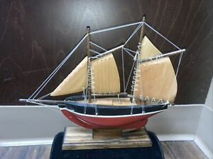 Vtg Maine State Correctional Facility Prisoner Carved Wood Sail Boat Art Hull