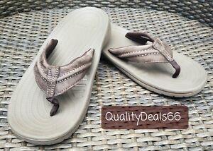 Crocs Mens Size 8M Brown Leather Thong Slip-On Open Toe Flip Flop Sandals * EUC